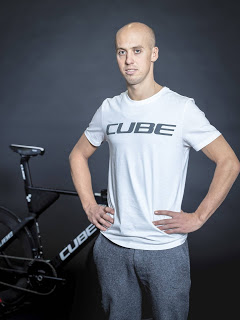 Cube signs triathlete Andi Böcherer
