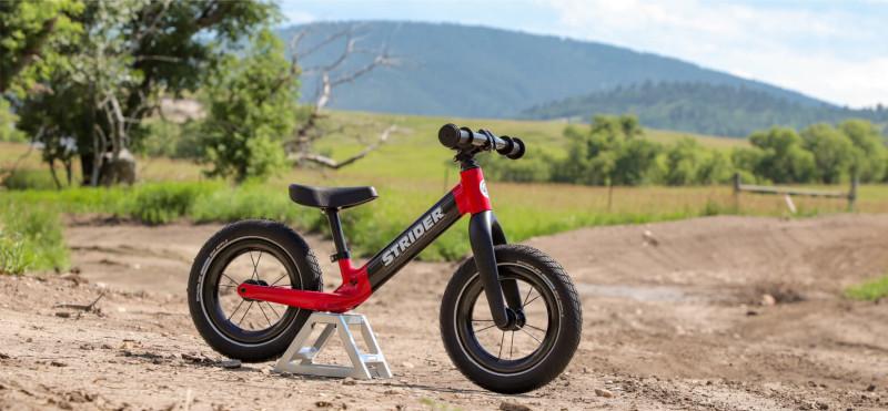 1d06ee07a0b Strider Bikes Unveils Strider 12 ST-R Balance Bike | BikeToday.news