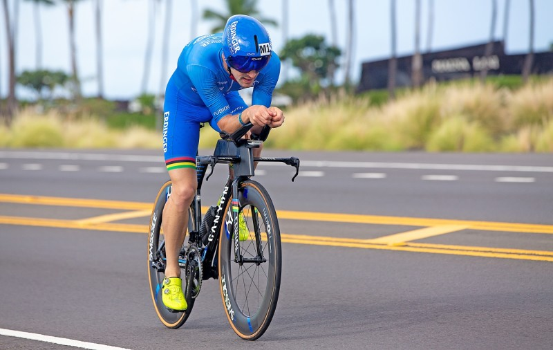 With Schwalbe One Tubeless-Tires on the cycle course:  Patrick Lange wins 2nd Ironman World Championship