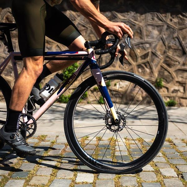SES 3.4 AR Disc - The Modern Road Wheel Defined