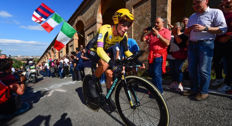 Roglic takes Pink Jersey after Impressive Time Trial Win in Giro d'Italia