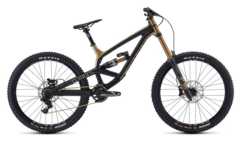 New Downhill Machine: Commencal Furious 2020