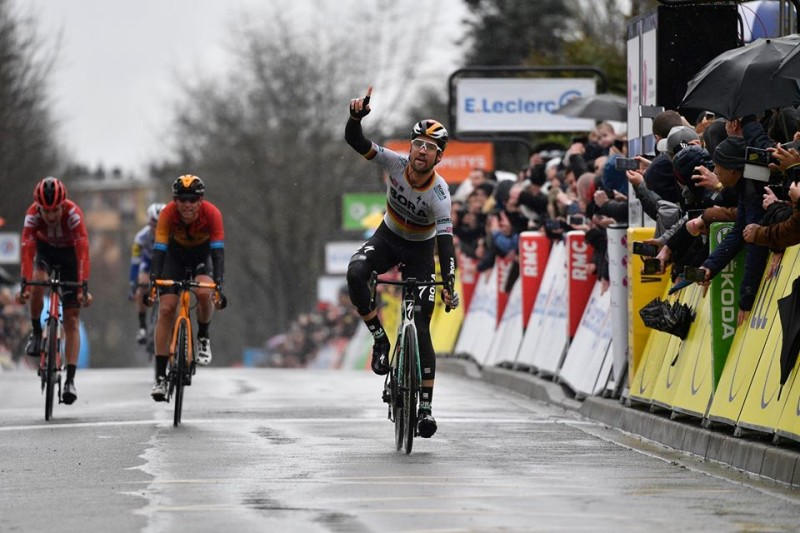 Stunning Paris-Nice Opener for German National Champion as Maximilian Schachmann Takes Sprint Win and Leader's Jersey on Stage 1
