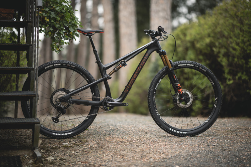 The New NukeProof Reactor 290c ST Bike
