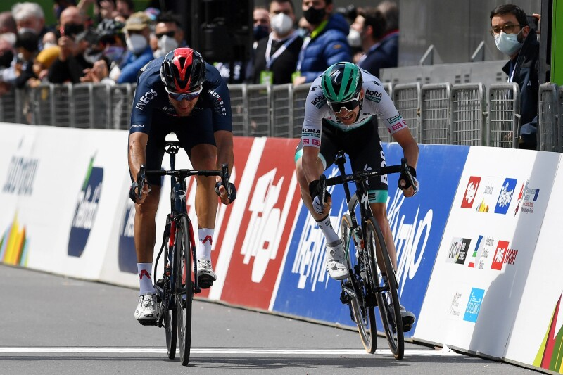 Moscon Wins in Alps as Pidcock Seals Sixth at Fleche