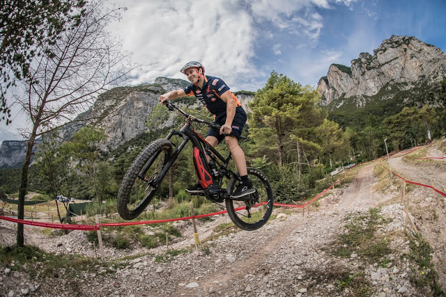 Thok E-Bikes Official Supplier of the Trial Champion Team